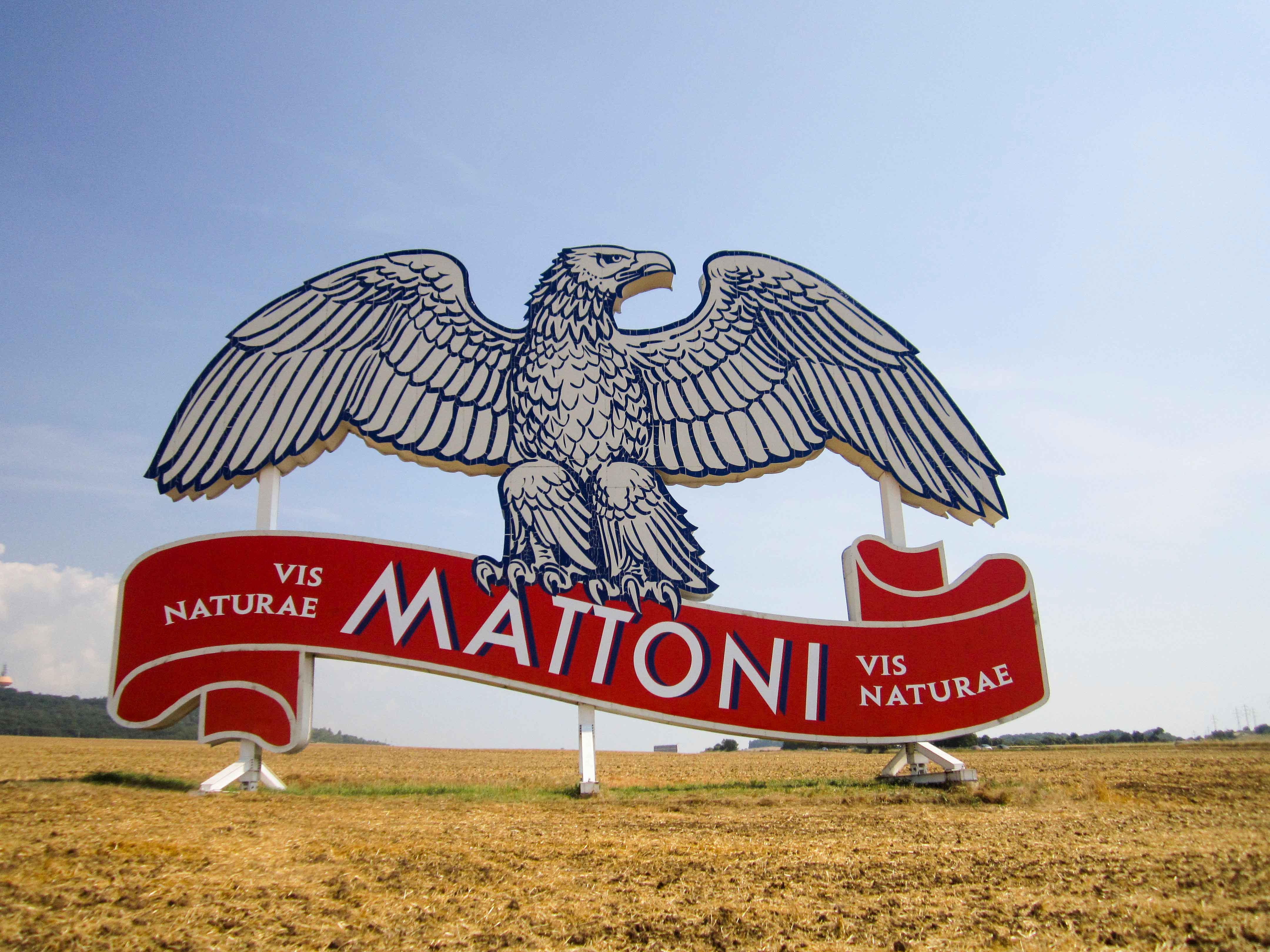Mattoni's trademark is the white eagle