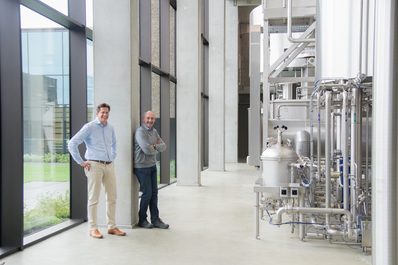 Project Manager Alex De Smet (left), plus Production Manager and Brewmaster Hans Mehuys together drew up a meticulously structured master plan.