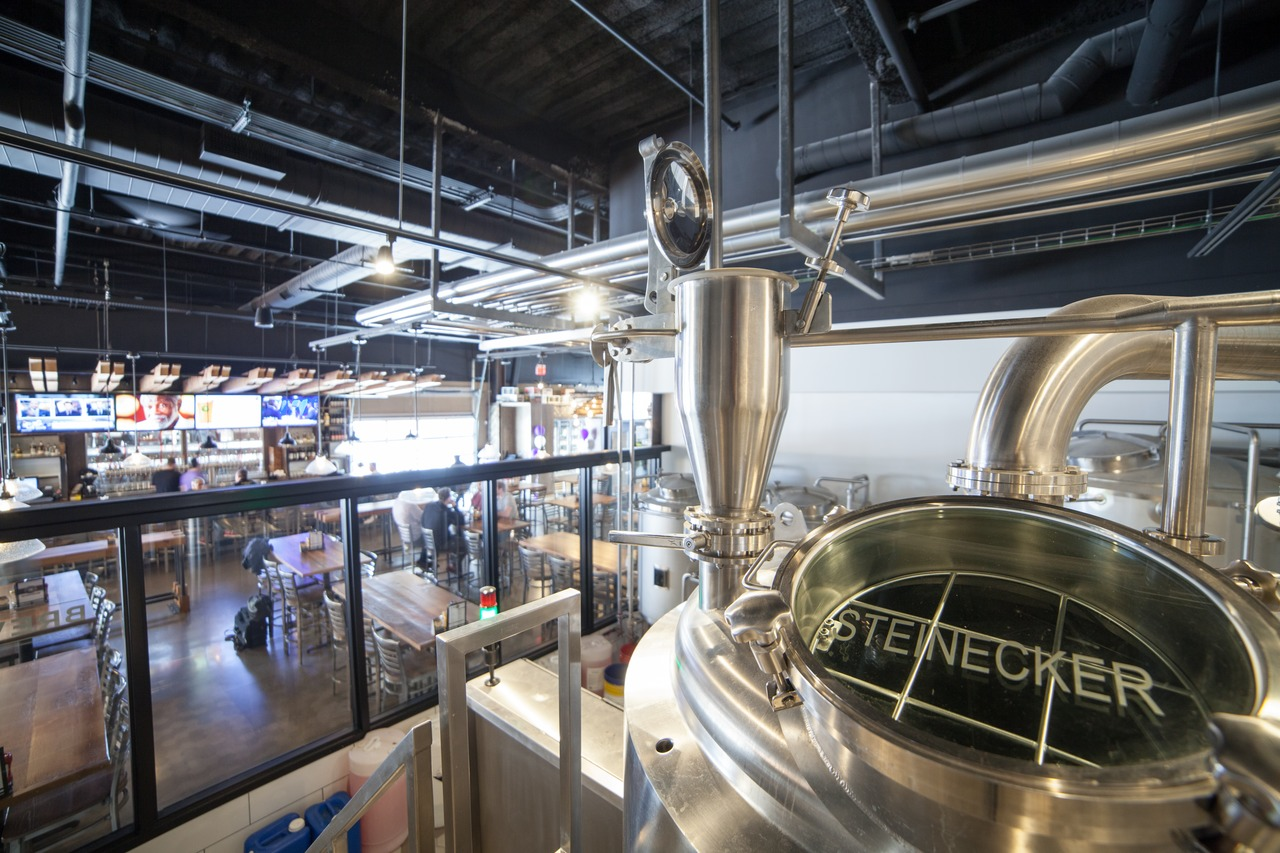 In full view of all the guests: the brewpub's heart