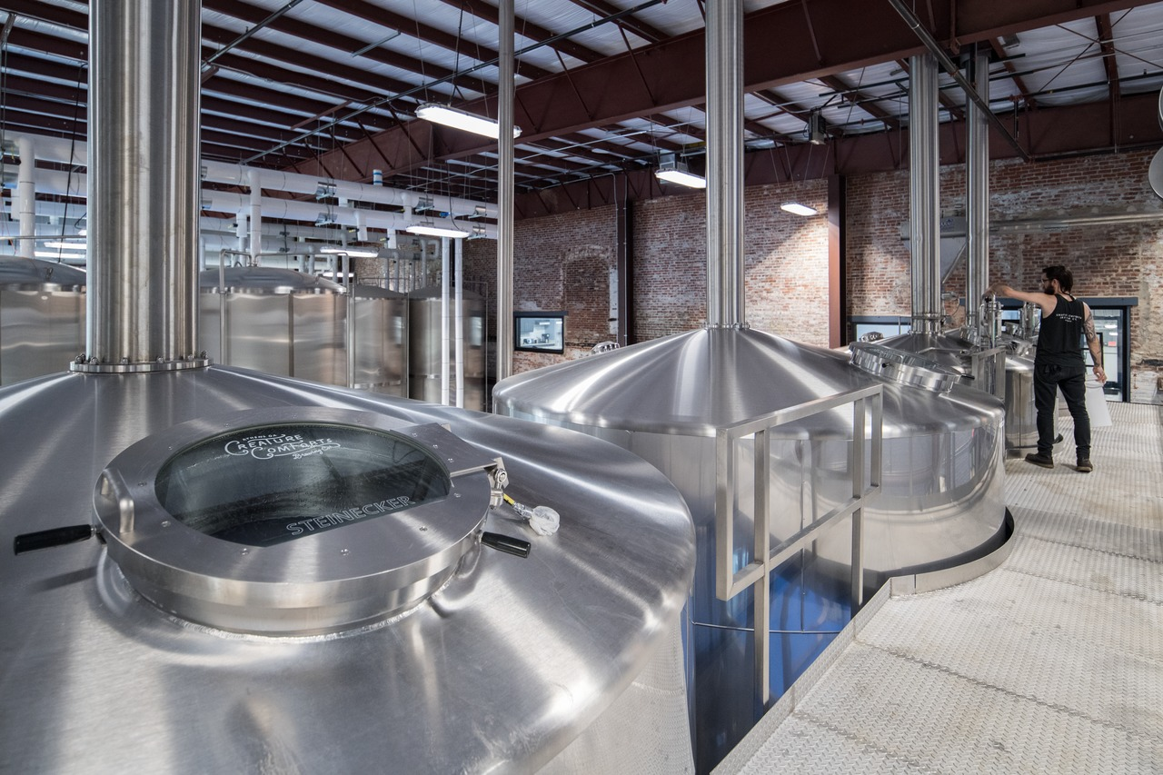 Its new 4-vessel Steinecker CombiCube B brewhouse is fully automated, using Krones' Botec F1 process control system, which monitors and controls every stage of batch production – so every batch is consistent and 100 percent reproducible.
