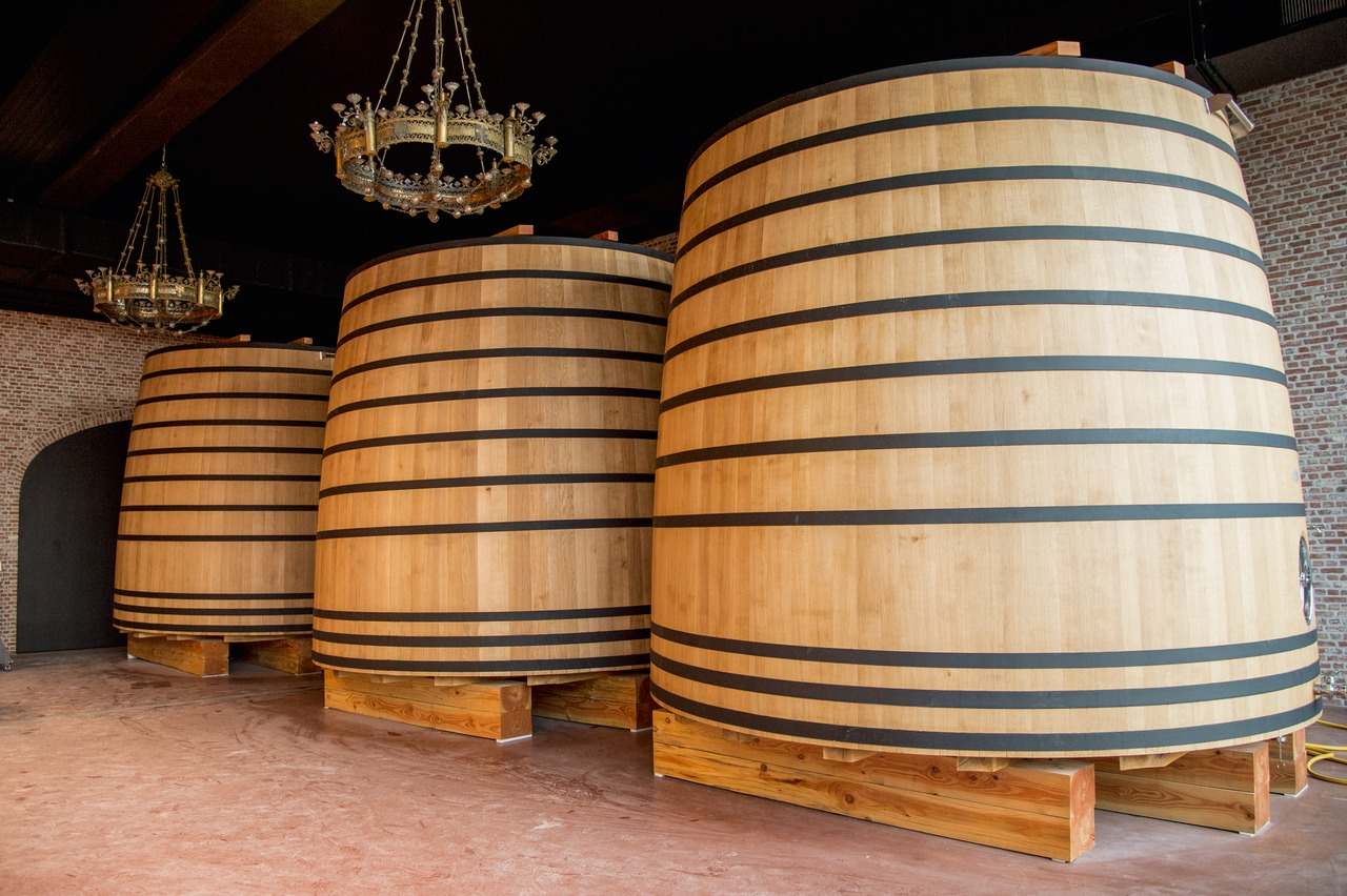 "For mixed fermentation, a top-fermented base beer is used, which undergoes lactic-acid secondary fermentation in ""feuders"", large wooden vats."