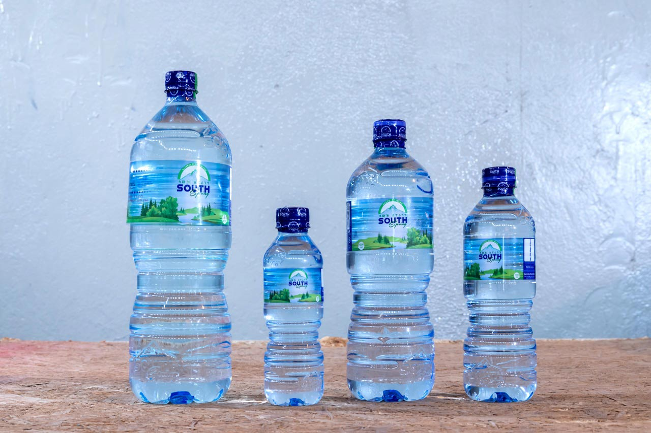 Garamba offers its South Spring brand in four bottle sizes. With the 1.2-litre format, in particular, Garamba has created a unique selling point, since 1.0-litre containers are the usual size on the market.