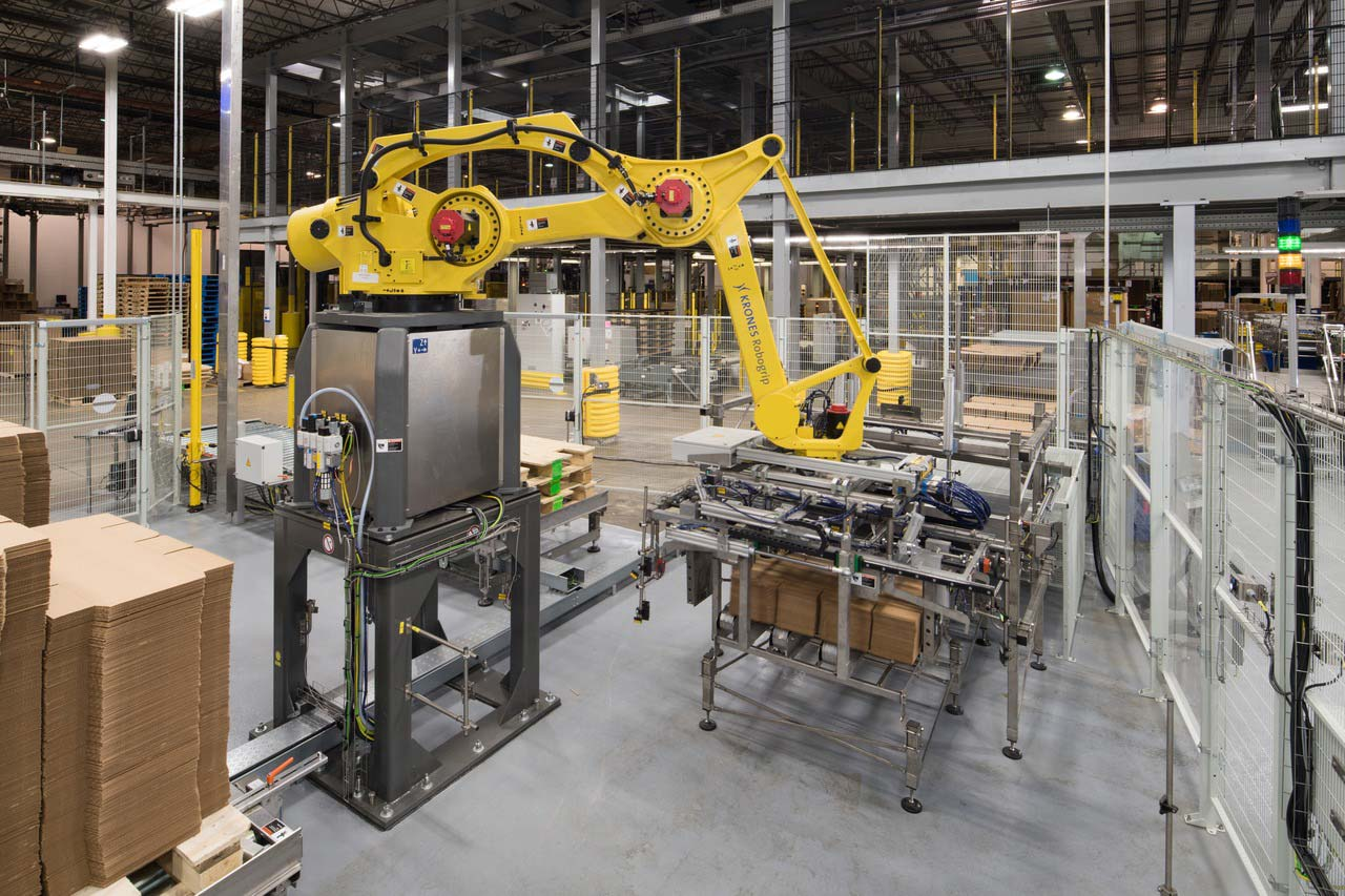 … while the Robogrip enhances palletizing operations.
