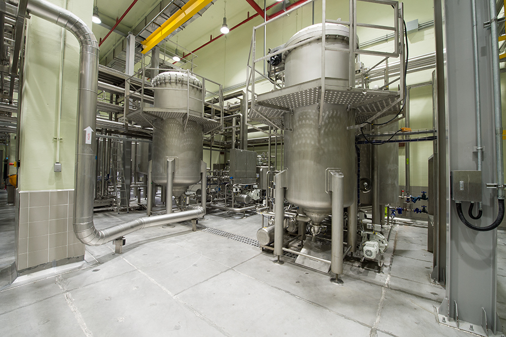 For beer filtration using diatomite, a TFS filter (Twin Flow System) for a throughput of 300 hectolitres an hour and a PVPP filter TFS for the same throughput have been installed.