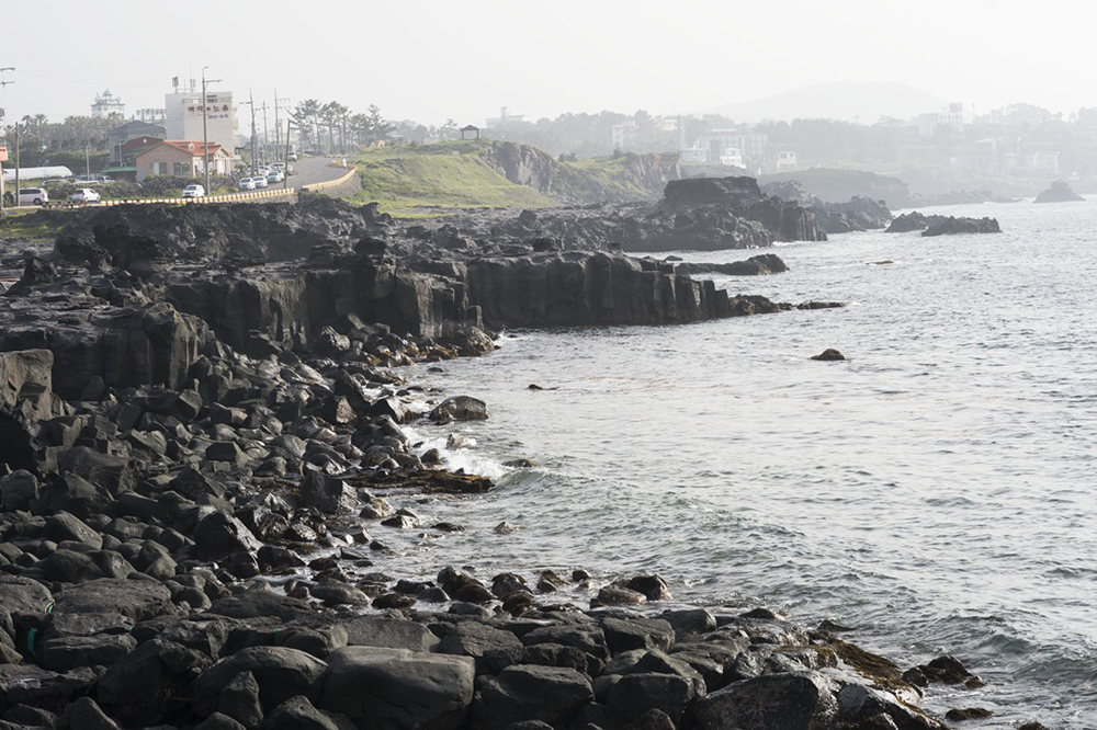 Jeju Island is for manifold reasons predestined to be a source of natural water. The island (pop. approximately 600,000) is of purely volcanic origins.