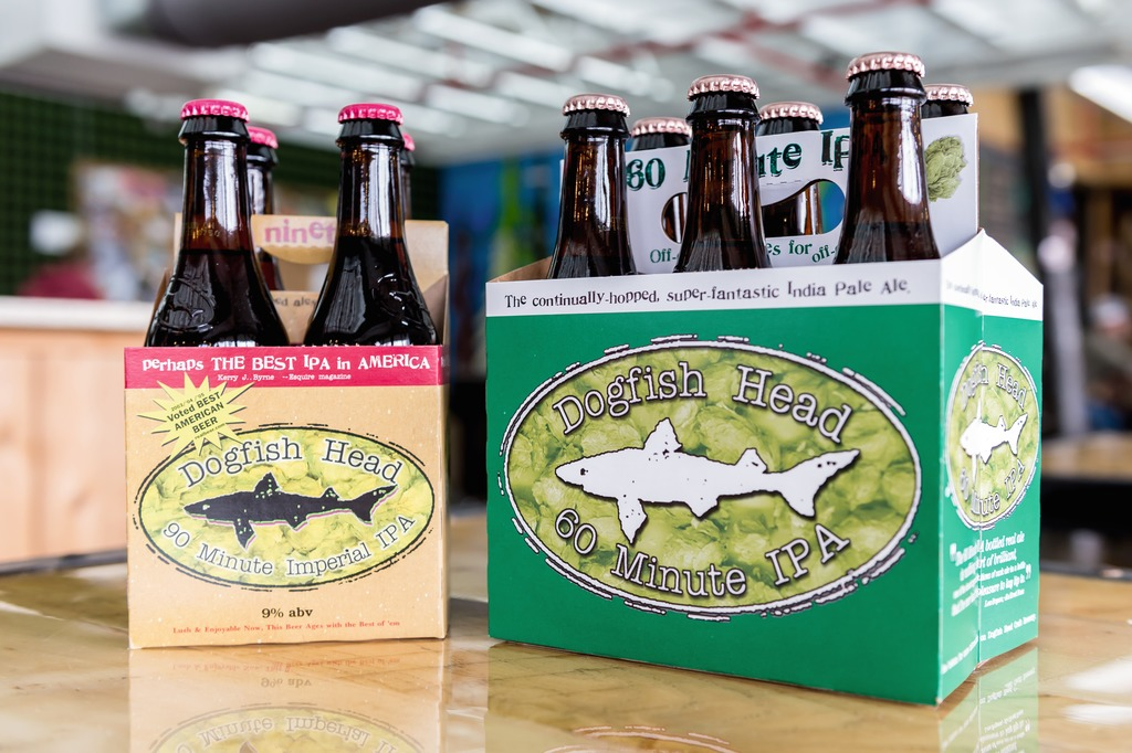 Dogfish Head uses the Varioline for packing the 12-ounces glass bottles in four- and six-bottle open carriers, which are then inserted in folding cartons without partitions as end-of-the-line packaging.