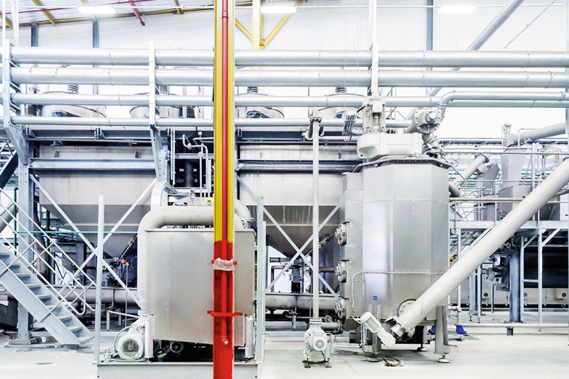 The caustic solution used is prepared in a two-stage caustic treatment system featuring the Parcival filtration system, enabling it to be subsequently re-used in consistent quality.