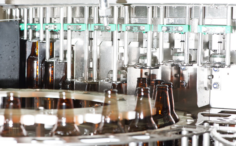 Design efficiency exceeds 90 per cent, the oxygen content in the glass bottles is a minuscule 0.1 milligrams a litre, fill level accuracy is spot-on.