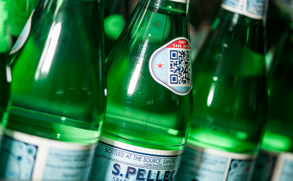 The medallion is currently designed as a QR code for smartphones. This means, for example, that consumers can download information about the home of S.Pellegrino onto their mobile phone.