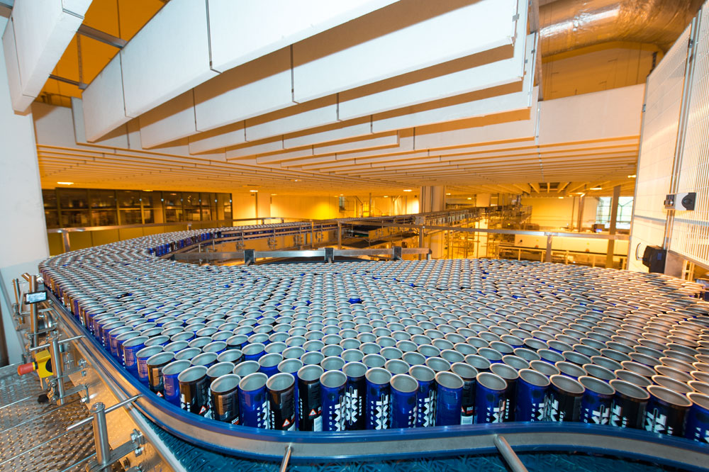 With an annual capacity of around 200 million cans, IQ 4 YOU can continue upgrading its second major role as a co-packer.