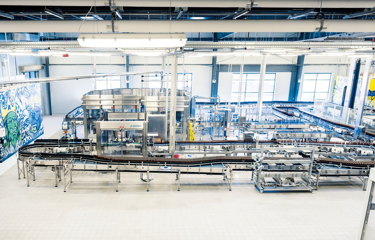 The complete line from Krones has been dimensioned for a speed of 15,000 bottles an hour.