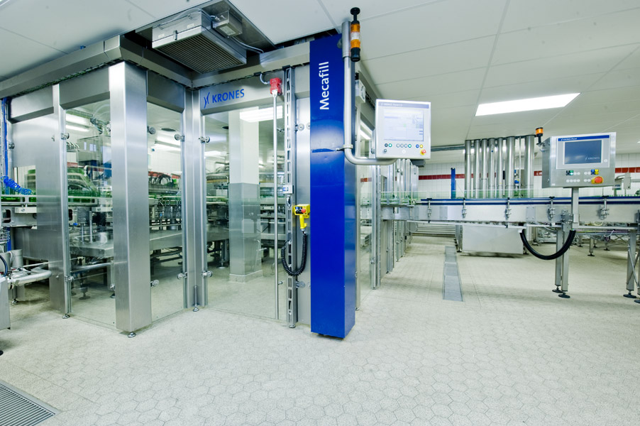 In order to save space, Rotkäppchen-Mumm opted for a rinser-filler monobloc right from the start.