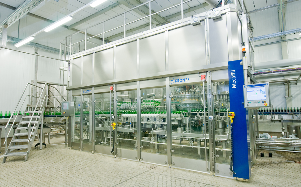 Since the products being filled contain sugar, and are therefore microbiologically sensitive, strict hygienic safety during filling is imperative. The Krones monobloc, featuring a Mecafill filler, a Variojet twin-chanel rinser and a screw capper, is accordingly accommodated in an enclosed cleanroom fitted with air filter technology.