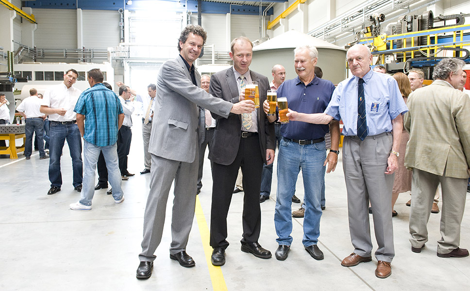 Toasting the CombiCube B: Dr. Krottenthaler, Prof. Dr. Becker, Prof. Dr. Back and Prof. Dr. Narziss (from the left)